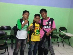 Trio Enam A